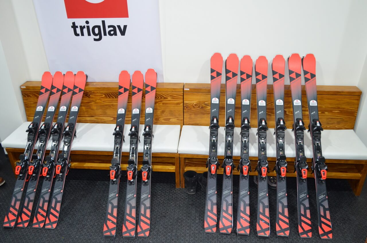 Skije za izdavanje